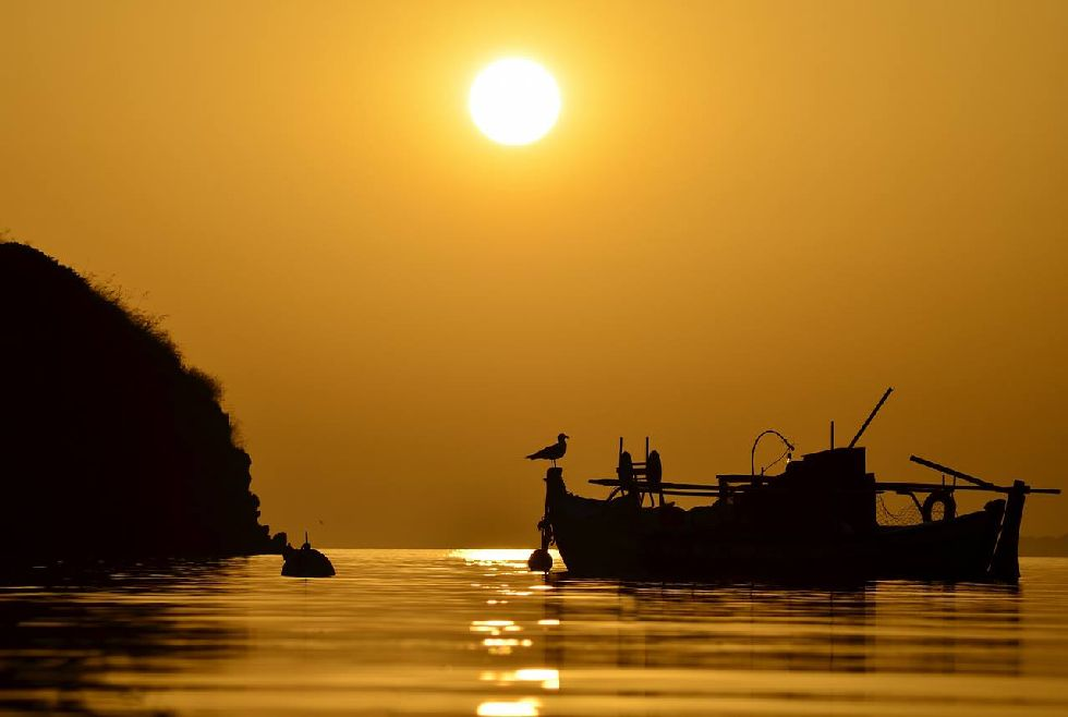 sunset of toroni 2