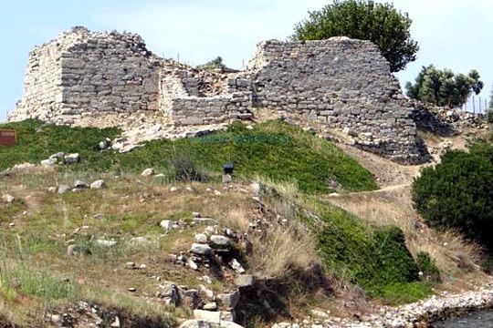 Toroni Halkidiki the castle